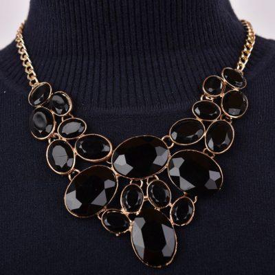 Fekete köves arany színű női nyaklánc fülbevalóval 573ba9ae00